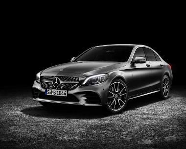 2019-Mercedes-Benz_C-Class_Front_Left